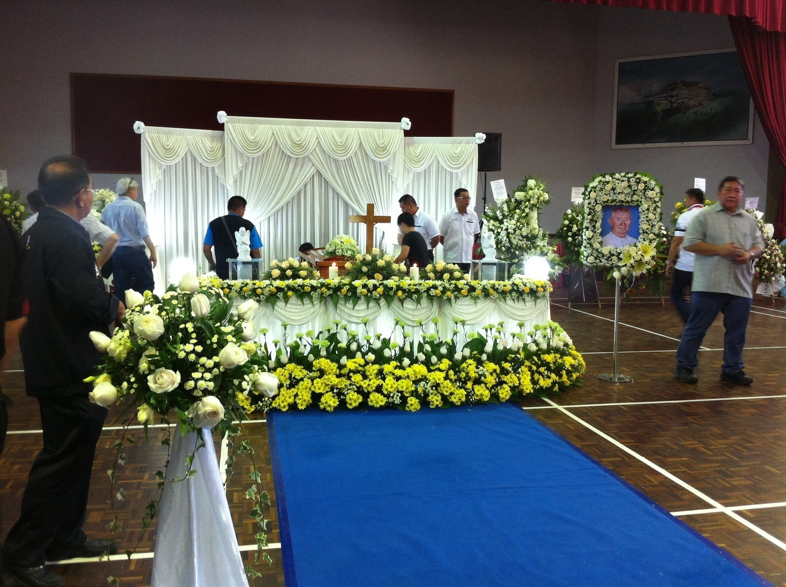 The remains of Br Charles for the lying-in-state at Dewan La Salle Tg Aru on 27 Dec 2015.